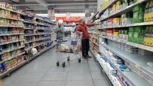 Precios esenciales: El programa inició con dificultades en todo el país