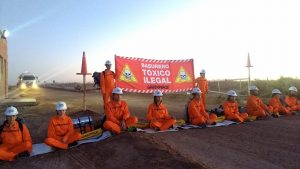 Greenpeace mantenía el bloqueo en Añelo pese a la orden de desalojo