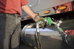 Combustibles: Expendedores esperan un aumento del 11,8% en los impuestos