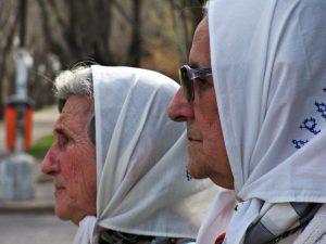 Atacan la casa de las Madres de Plaza de Mayo