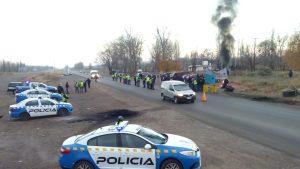 Conflicto en la PIAP: La policía no le permite a los trabajadores cortar la ruta