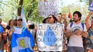 Neuquén marcha «En defensa del agua»