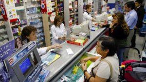 Aseguran que el trabajo en las farmacias es normal