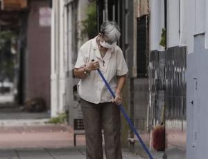 El gobierno de Neuquén recomendó el uso de protectores faciales