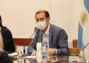El Gobierno evalúa salidas por terminación de DNI y restricciones horarias para Neuquén