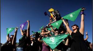 De las «pibas» a las «cabras»: Se inició el debate por la despenalización del aborto en Chile