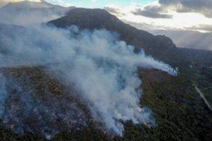 Incendio en El Bolsón: El fuego avanzó sobre 8.500 hectáreas