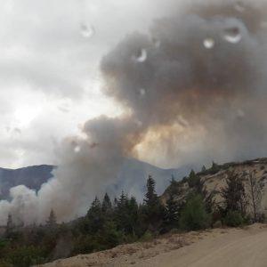 El incendio de El Bolsón avanzó hacia Chubut