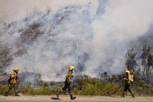 Siguen los trabajos para controlar los incendios en El Bolsón