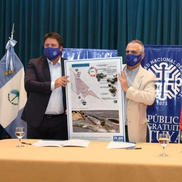 Urbanización de la meseta en Neuquén: La UNCo firmó un convenio para participar del plan maestro