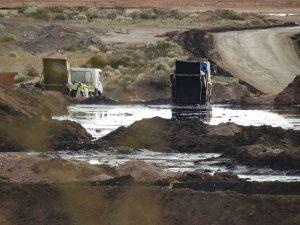 Amplían la denuncia penal contra las empresas de tratamientos de residuos petroleros