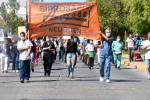 Profesionales de la Salud realizan una marcha por el centro