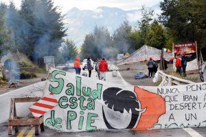 Autoconvocados refuerzan el corte en Villa La Angostura