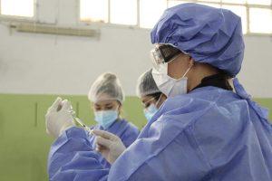 Plan de vacunación: El 87% de la población objetivo recibió la primera dosis