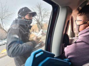 Solidaridad: Reparten viandas a 70 personas en situación de calle